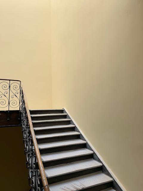 Treppenhaus einfarbig
